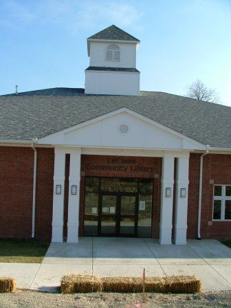 Front of the LeClaire Community Library Building